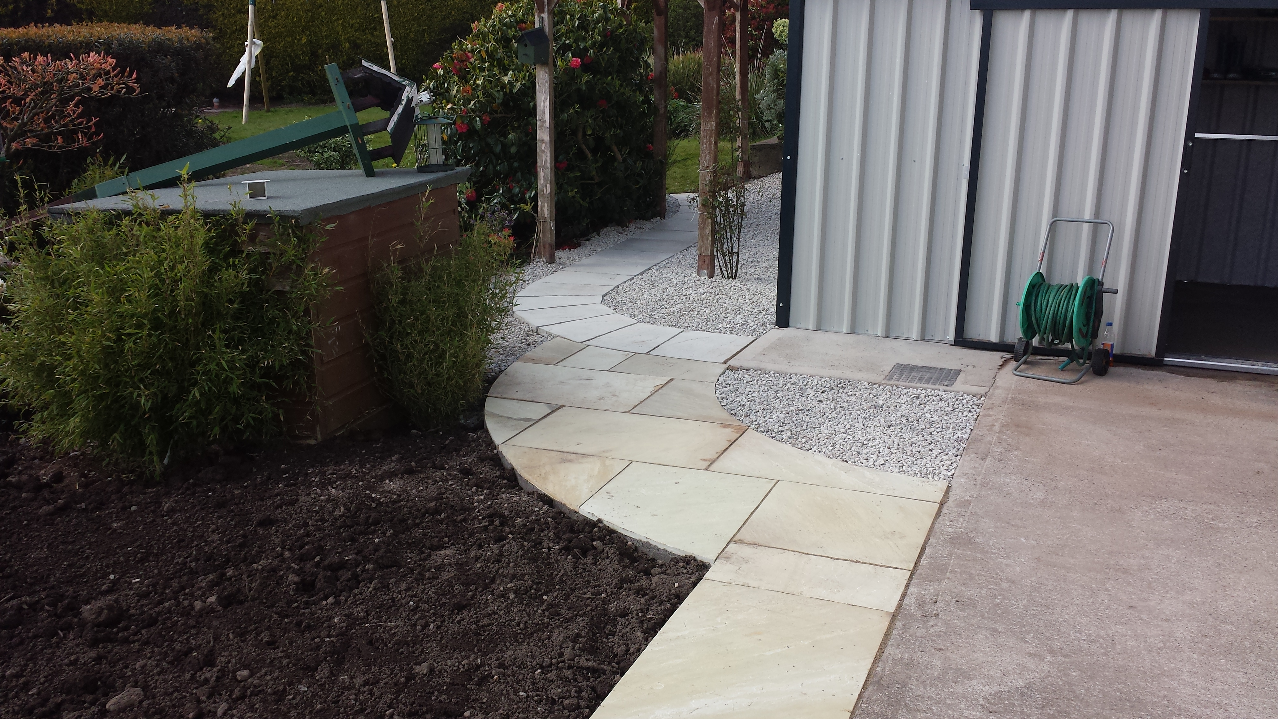 Paving installed in domestic garden - Pat Lordan Groundworks